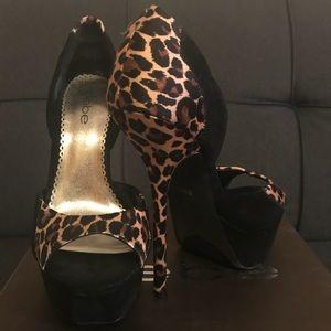 Bebe Opened Toes Stilettos 👠 BRAND NEW